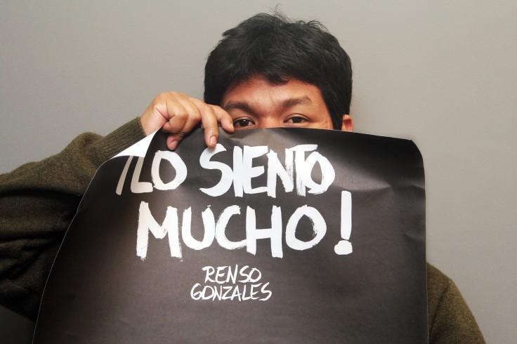 """RRenso Gonzales: """"'Lo siento mucho' porque es todo lo que hay en la muestra. 'Lo siento mucho' porque esto es lo que me sale"""" (Foto: Diego Miranda / Tempus Noticias)"""