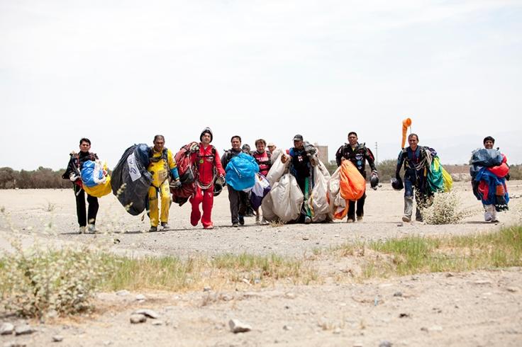 Miembros de la Aapal después de tocar tierra (Foto: Augusto Escribens)