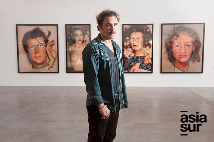 David Lachapelle en su exposición en el MAC (Foto: Augusto Escribens / Asia Sur)